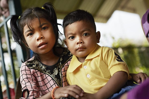 Til fordel for forældreløse børn