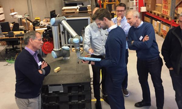 Erhvervsfolk besøgte fynsk robotmiljø