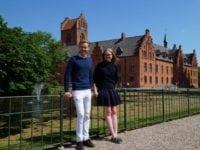 Mads og Anna viser rundt på Herlufholm i sommerferien. Foto: Herlufsholm Skole og Gods.