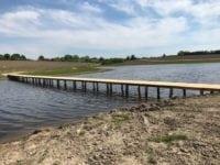 Ny bro skaber stiforbindelse over de nye søer i skovrejsningen. Foto: Næstved Kommune
