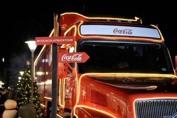 Coca-Cola Julelastbilen har nu indsamlet 233.000 kr. til Mødrehjælpen