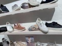 Kom og se Villek Skos forårssortiment, og find dine næste par sko. Foto: Villek Sko.