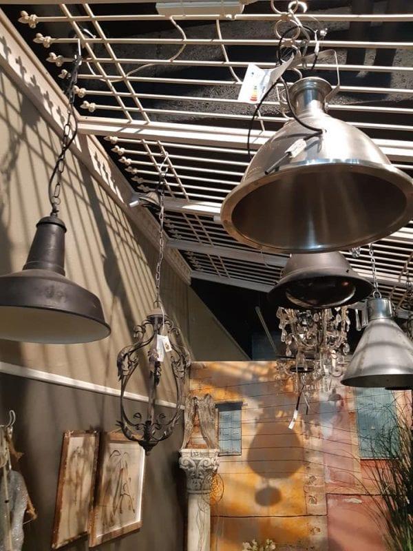 Find din nye loftslampe hos Kræmmerhus og spar penge