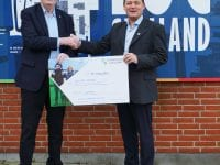 Formand for Industri- og Håndværkerforeningen, Hans Henrik Knudsen (t.v.) og John Norman, direktør for EUC Sjælland (t.h.). Foto: EUC Sjælland.
