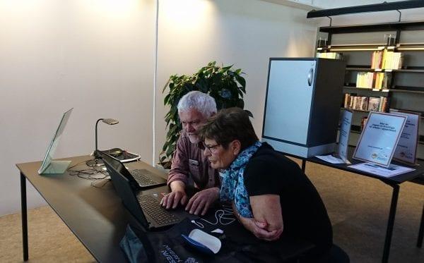 Flere IT-frivillige til biblioteket