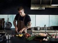 Til køkkendagene vil man – udover vejledning og gode tilbud –kunne se Timm Vladimirs nye køkkenkollektion, der netop har fokus på at gøre madlavning nemt at gå til. Foto: PR
